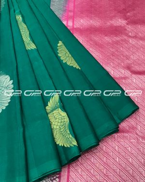 Handloom light weight pure silk saree in peacock green shade