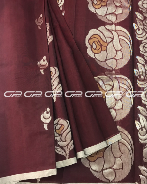 Handloom Pure Silk Cotton Saree in maroon shade